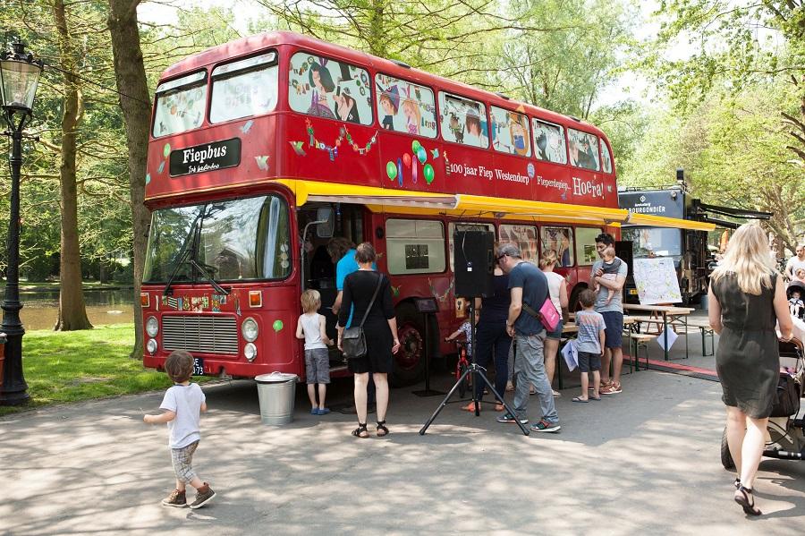 Rijdt de Fiepbus deze zomer naar u?