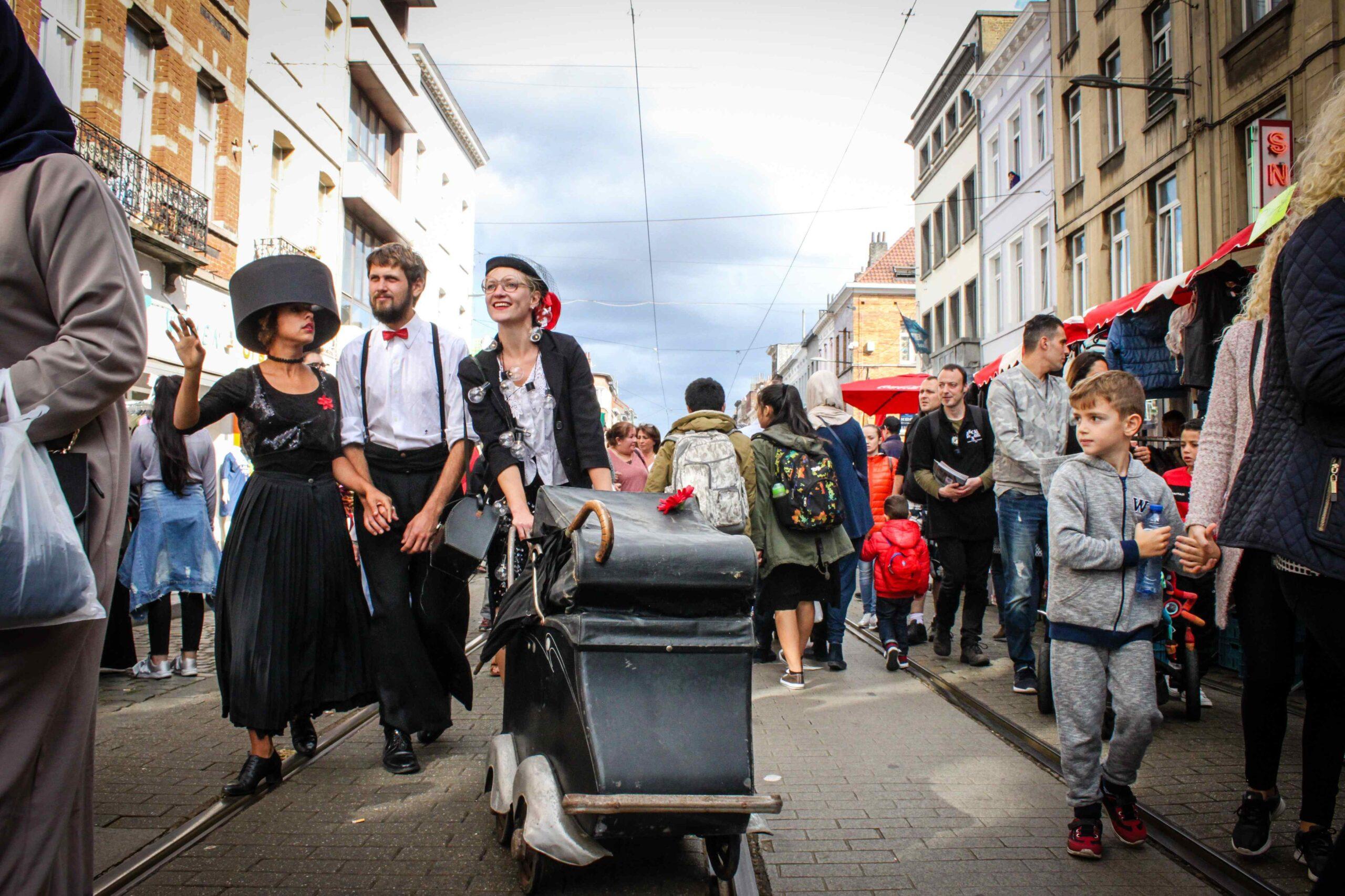 Les Fêlés – Photographic theatre on wheel